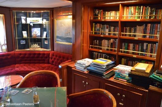 De 'Star Flyer' van rederij 'Star Clippers' (met 3 zeilboten) is zowel zeilschip als cruiseschip. Het heeft een lengte van 115 meter en kan 182 passagiers vervoeren. Het schip bevat een restaurant, twee zwembaden en een bibliotheekruimte die tevens voor vergaderingen kan worden gebruikt (foto Sebastiaan Peeters)