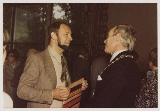Ben van Tongeren neemt 29-9-1978 afscheid van burgemeester W.H.D.Quarles van Ufford. (NHA)