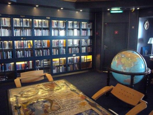 Bibliotheek op de 'Zuiderdam' (Holland America Line)