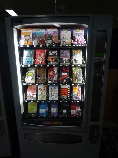 Boekenautomaat op Centraal Station Rotterdam, vervaardigd naar een idee van Pieter Kool