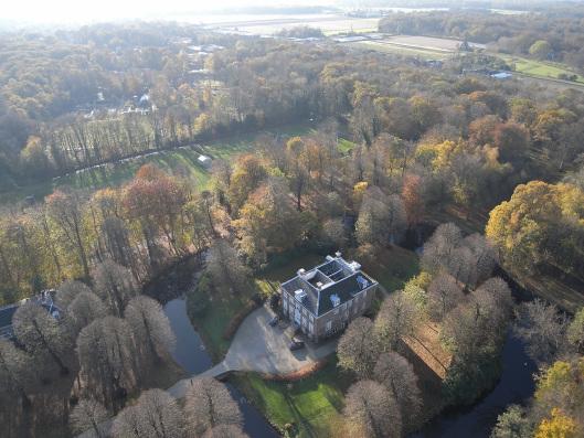 Huis te Manpad in Heemstede gefotografeerd met een op afstand bestuurd vliegtuigje (Harm Botman, 2012)