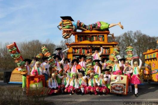 Carnavalswagen gewijd aan verhuizing bibliotheek Zundert, nu te koop aangeboden via Marktplaats