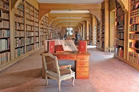 Interieur van vm. kasteelbibliotheek Dampierre