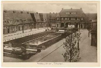 Prentbriefkaart van de Kastanjelaan in de Bomenbuurt, Haarlem-Schoten uit circa 1930