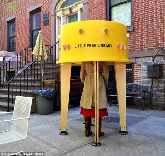 Een Little Free Library in New York met ruimte voor 40 boeken
