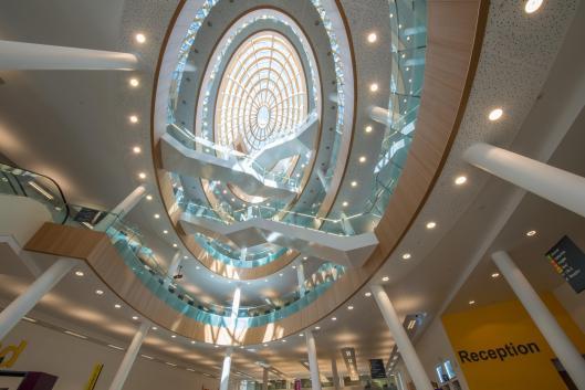 Atrium vernieuwde centrale bibliotheek Liverpool