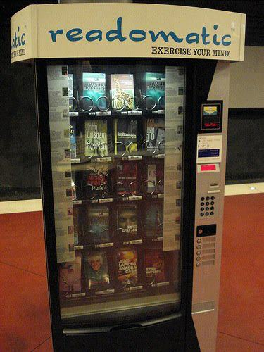 Een readomatic, zoals te vinden op het vliegveld van Stockholm en veel andere plaatsen, o.a. ook in Amerikaanse bibliotheken