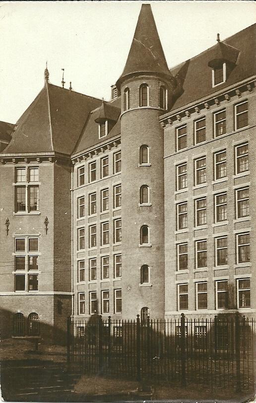 Koloniaal Instituut voor de Tropen. Achterzijde boekerij