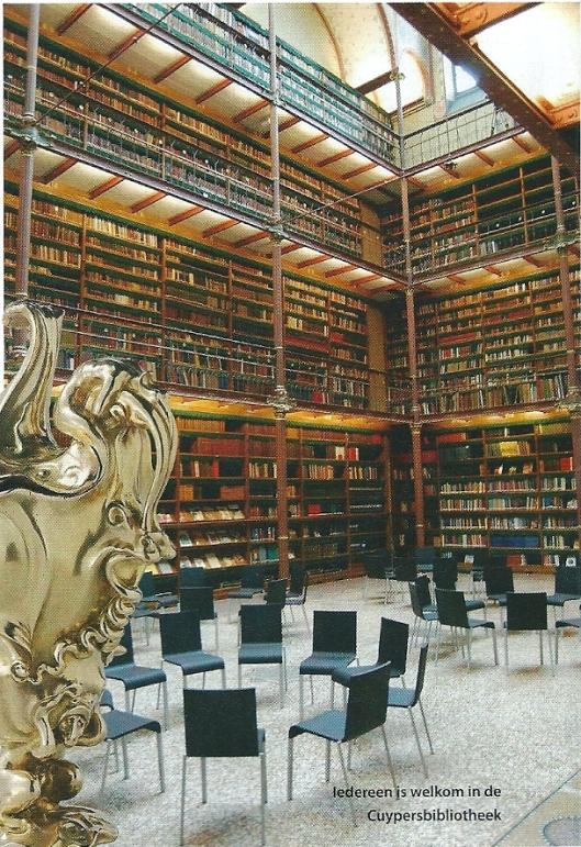 Iedereen is welkom in de Cuypersbibliotheek (foto Spoor, 2013-2)