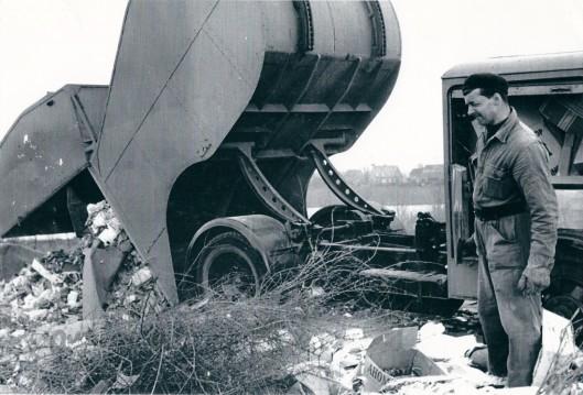 Afvalverwerking naar de vuilnisbelt