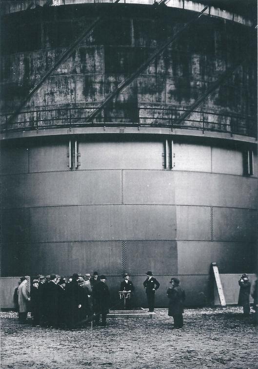 Ingebruikneming van grote gashouder op 10 januari 1933 door burgemeester jhr. Van Doorn