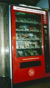 Een boekenautomaat in Barcelona (foto Sjoerd Koopman, 2006)