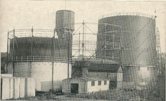 Drie gashouders in 1934 van 1.500, 5.000 en 15.00 kubieke meter inhoud.