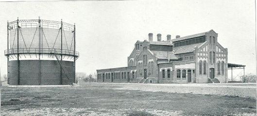 De gasfabriek na de bouw in 1909 met vooralsnog 1 gashouder