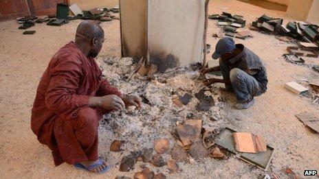 Een aantal verloren gegane manucripten in Timboektoe, Mali (AFP)