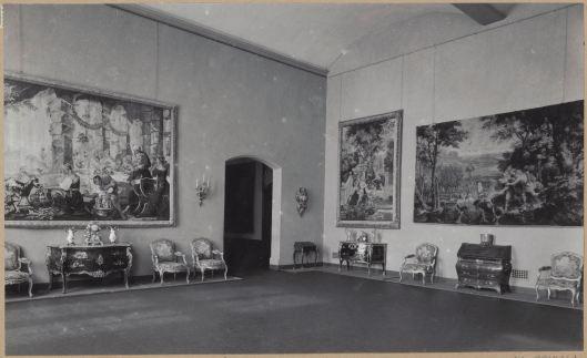 Tentoonstelling met o.a. wandtapijten uit de collectie van mevrouw Catalina von Pannwitz, de Hartekamp Heemstede , in het Rijksmsueum Amsterdam in 1949.