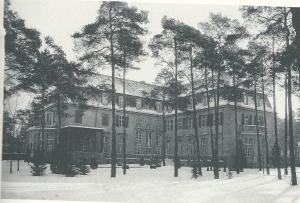 Het paleis Grunewald in de winter van 1919, residentie van de familie Von Pannwitz bij Berlijn, tegenwoordig een luxe hotel.