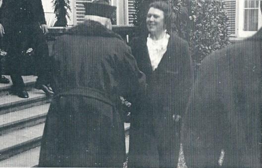 Mevrouw Von Pannwitz begroet de keizer op de Hartekamp