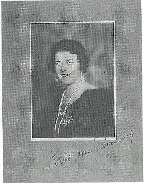 Portretfoto van op de Hartekamp gemaakte foto van mw. Catalina [Käthe] von Pannwitz
