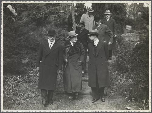 Wilhelm II bezocht in 1935 de internationale bloemententoonstelling Flora in Groenendaal, Heemstede