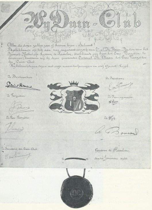 Proclamatie van 'Wij Duin-Club', januari 1932, met 3 'Bomansen': Godfried (beschermheer), Jan (voorzitter) en Arnold (kok).