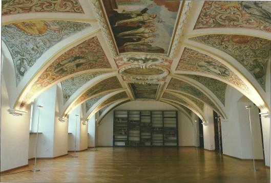 Bibliotheek van het Karmelietenklooster in Straubing, Duitsland
