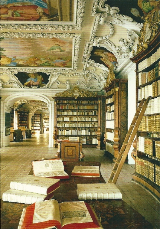 Krensmünster. De plafondfresco's zijn van Melchior Steidle, Antonio Gaillardi en Christoph Lederwasch