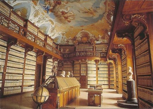 Klooster Seitenstetten. Bibliotheek met plafondschilderingen van Paul Troger uit 1741