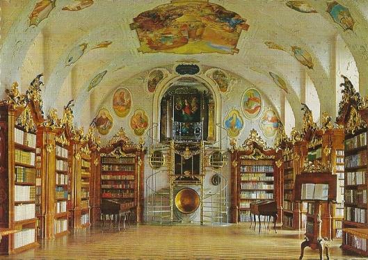Augustiner-Chorherrenstift in Vorau. barokke bibliotheek uit 1733. De boekenkasten dateren uit 1767