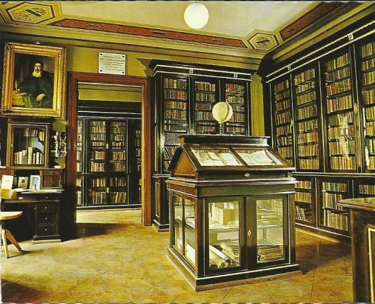 Klooster van Mechtaristen in Wenen. Bevat circa 175.000 boeken, waaronder 2.600 Armeense manuscripten vanaf de 9e eeuw