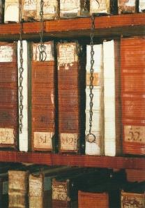 Boeken aan de ketting in kloosterbibliotheek Zwettl (foto Imagno/Gerhard Trumler)