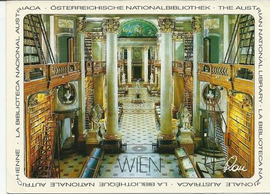 Ansichtkaart van de pronkzaal, gebouwd door J.B.Fischer von Erlach. De lengte van de zaal bedraagt 78 meter. Bevat verscheidene marmeren beelden, o.a. van keizer Karel VI die de bibliotheek liet bouwen.