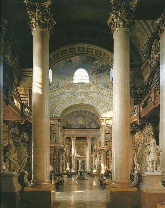 De pronkzaal van de ONB telt 17 fresco's van Daniel Gran. De marmeren beelden van Habsburgse voorvaderen van Keizer karel V zijn al voor 1700 gemaakt door de beeldhouwers Peter en Paul Strudel. In de zaal zijn 200.000 boeken in boekenkasten opgeslagen. Het totale bestand van de ONB bedraagt meer dan 2.8 miljoen banden.