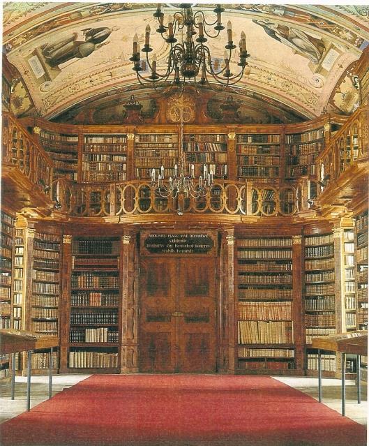 De kloosterbibliotheek Schlägl is in 1852 heringericht door Anton Simmel naar het voorbeeld van Sankt Florian. De boekerij bevat ruim 60.000 boeken die voor wetenschappelijk onderzoek ter beschikking zijn.