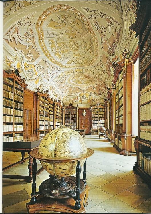 Interieur van pronkzaalbibliotheek Herzogenburg (1751)