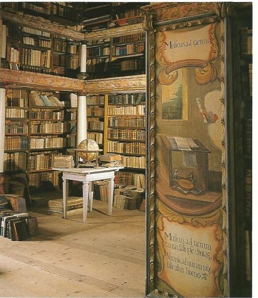 Barokke bibliotheekzaal van het klooster Sankt Lambrecht in Stiermarken. De schilderingen zijn van Michael Boecklin; de epigrammen van de dichter John Owen