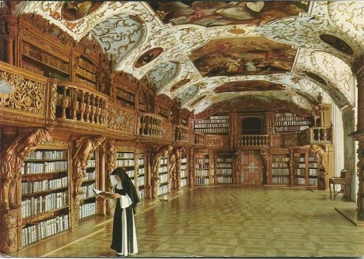 De bibliotheekzaal van de abdij der zusters Cisterciënzers in barokstijl kwam in 1687 gereed, de inrichting in 1726