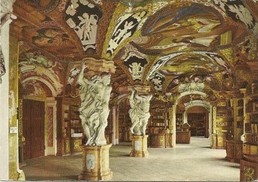 Pronkzaalbibliotheek van het Benedictijnerklooster in Metten. Barok, gebouwd tussen 1718 en 1726. Atlanten, stucwerk en fraaie boekenkasten zijn van Franz Josef Holzinger. De bibliotheek omvat naast oa. 43 handschriften en circa 200 incunabelen ongeveer 165.000 banden.