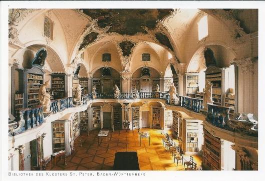 Historische bibliotheek van vm. Benedictijnerabdij Sankt Peter (Schwarzwald). Gebouwd tussen 1737 en 1751 door Peter Thumb. De pronkzaal is een hoogtepunt uit de laatbarok/rococo. De plafondschilderingen zijn van Benedikt Gambs. Bij de opheffing van het klooster in 1806 gingen de meeste boeken naar de Badische Hof- nu landesbibliothek en Universiteitsbibliotheek Freiburg.  Huidige bestand bedraagt ruim 80.000 banden.