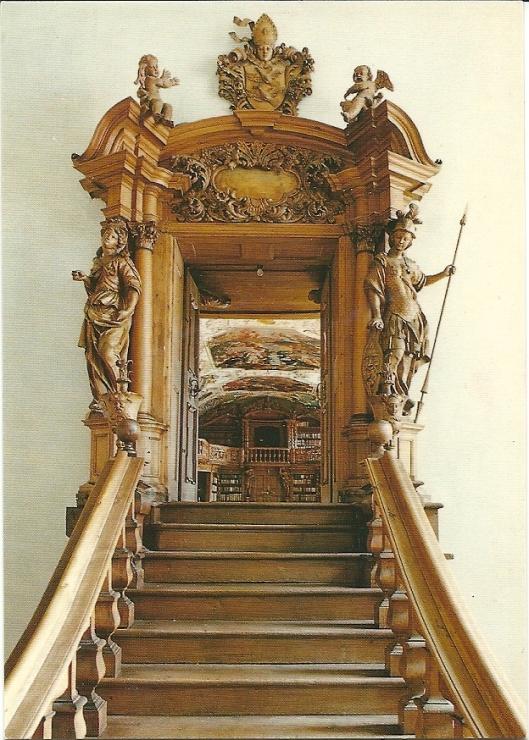 Trap naar de bibliotheek van Waldsassen in de noordvleugel van de abdij.
