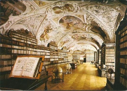 Vm. Stahov klooster in Praag met de Theologische zaal. De fresco's zijn gemaakt door F.A.Maulbertsch (1794)