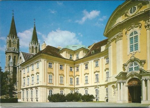 De barokke entree van het klooster Klosterneuburg