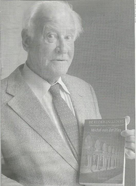 Michel van der Plas bij de presentatie van zijn boek 'De klokkenluiders. Hervormingsbewegingen in de katholieke kerk, 2002. (Katholiek Nieuwsblad, 11 oktober 2002).