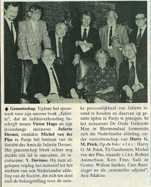 Bij de uitgave van het boek 'Juliëtte' in restaurant de Oude Geleerde Man te Bennebroek. Uit Elseviers magazine , 4 april 1981. Per abuis in Bloemendaal gesitueerd, in de editie van 11 april verbeterd als Bennebroek.