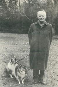 Michel van der Plas met zijn twee hondjes in Bloemendaal (Vrij Nederland, 22 december 1990).