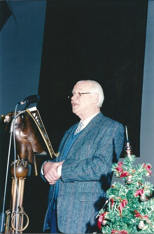 Michel van der Plas sprekend bij een Bomans-herdenking in de aula van de Universiteit Utrecht op 23 december 1996 (foto A.F.J.M.Munnichs)