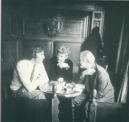 In gesprek over 'Wat je zelf..., ben je zelf' (1973-1976). V.l.n.r. Frans Halsema, Gerard Cox en Michel van der Plas (foto Ronald Sweering)