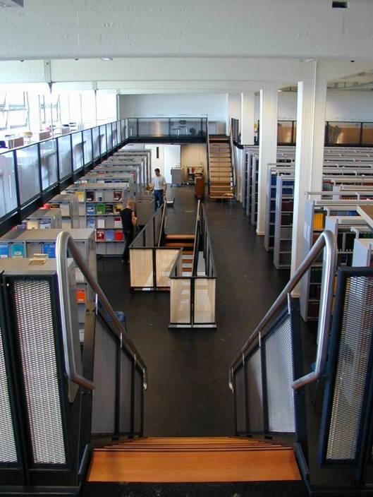 Aertzliche Zentralbibliothek, Universitäts-Klinikum: Hamburg-Eppendorf.  In 2000 geopend va centralisering van 42 afzonderlijke bibliotheken van medische instituten en klinieken,