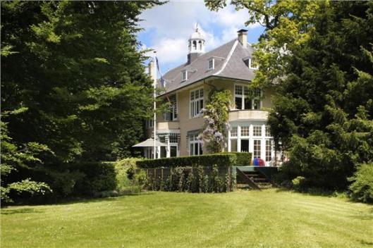Villa Bentveldseduinweg 2, Aerdenhout, in 1905 ontworpen door J.van den Ban