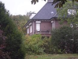 Bloemendaalseweg 142. In 1943-1944 was hier een 'Kinderheim' gehuisvest voor kinderen geboren uit een verhouding van Duitse soldaten met Nederlandse vrouwen.